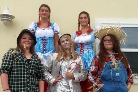Group Winner-The Wizard of Oz: Tatiana Freighan, Cheyenne Baker, Sky Baker, Alexander Fuentes, Reigh-Ann Landry