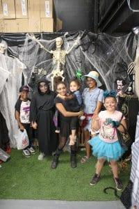 costumes-100